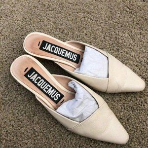 Like newJacquemus leather sandals in ivory size35